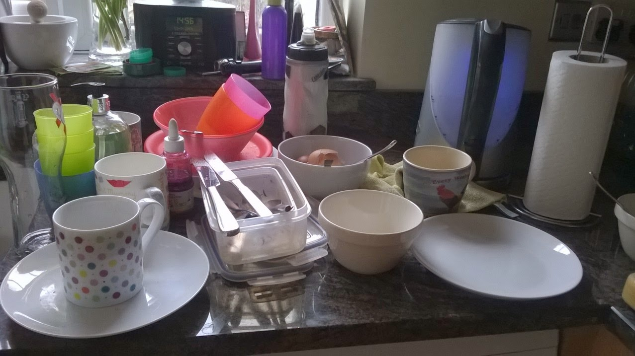 a picture of the washing up